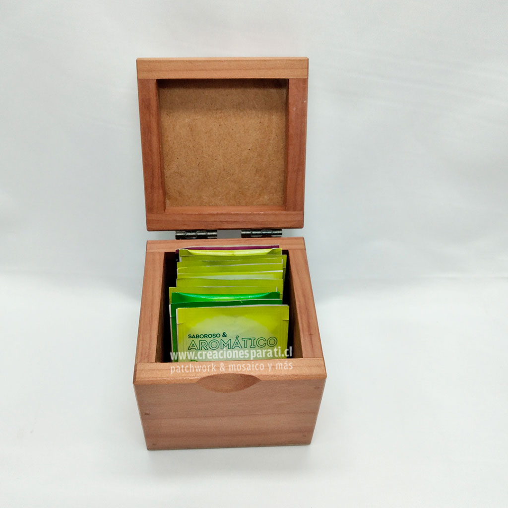 caja té abierta con tapa